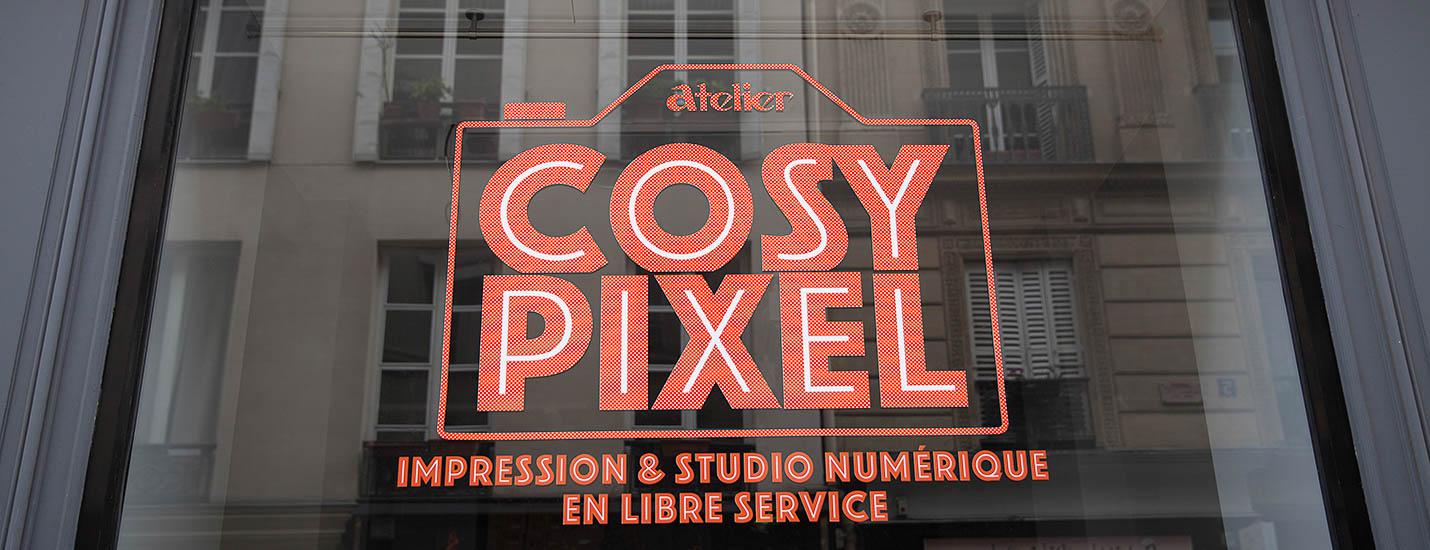 Logo Cosy Pixel Sur La Vritrine - ©Maxime Flipo